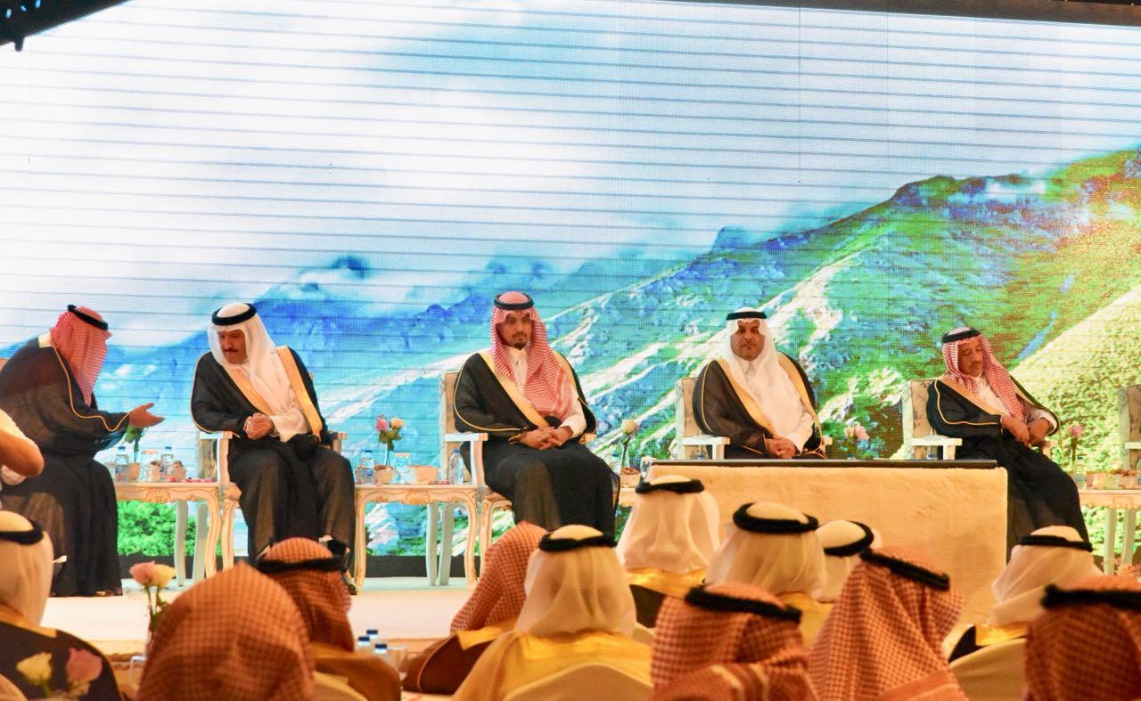برعاية الفيصل.. أهالي الطائف يُكرِّمون المحافظ السابق فهد بن معمر