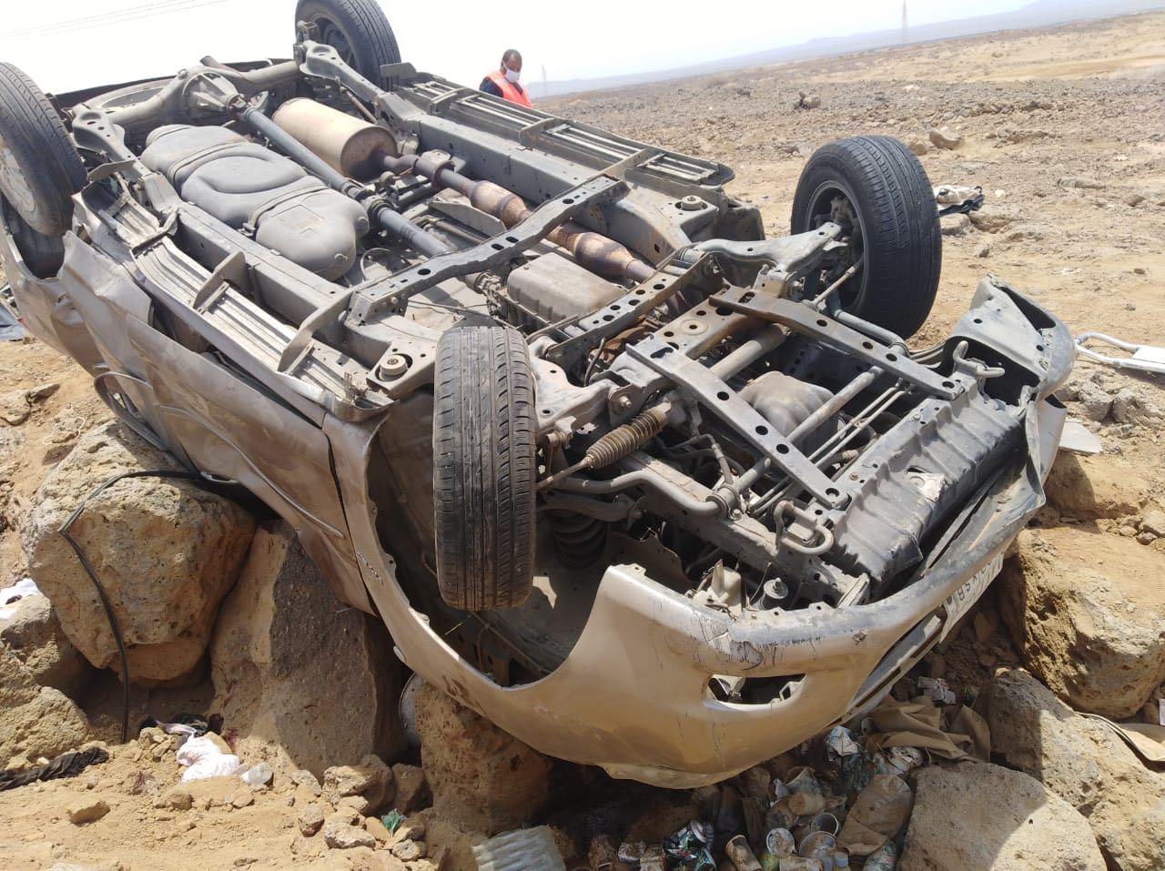 إنقلاب سيارة بعسير يخلف ثلاث وفيات في البرك