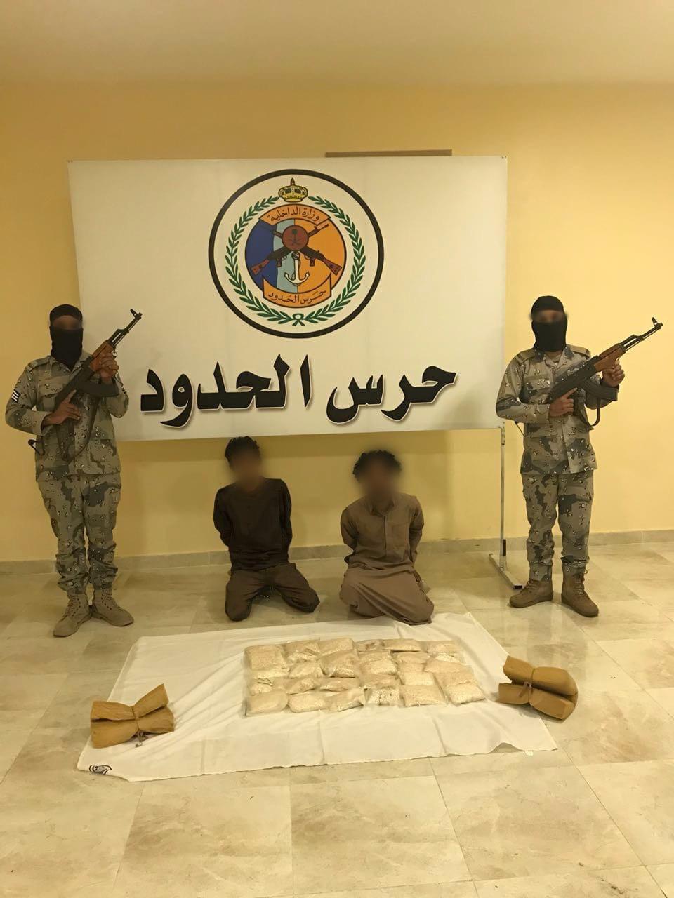 تبوك: حرس الحدود يحبطون تهريب أكثر من 100 ألف قرص مخدر