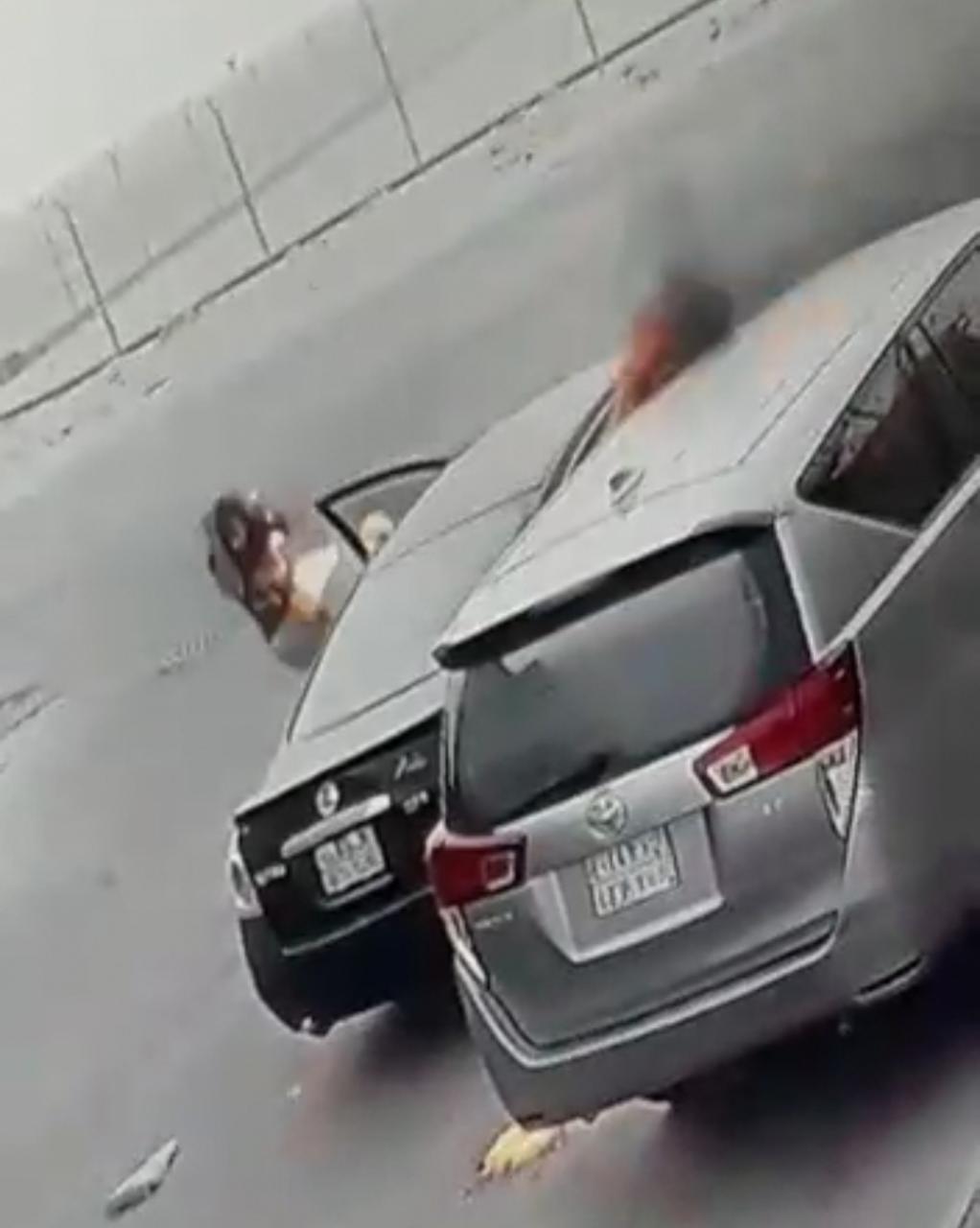 """""""مواطنة الدمام"""" تكشف لـ""""الوئام"""" حيثيات إحراق سيارتها بعد مركبتي والدها وخالها"""