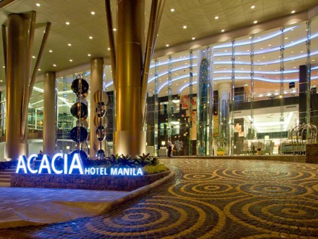 سفير المملكة بجاكرتا يحذر السعوديين من فندق أكاسيا
