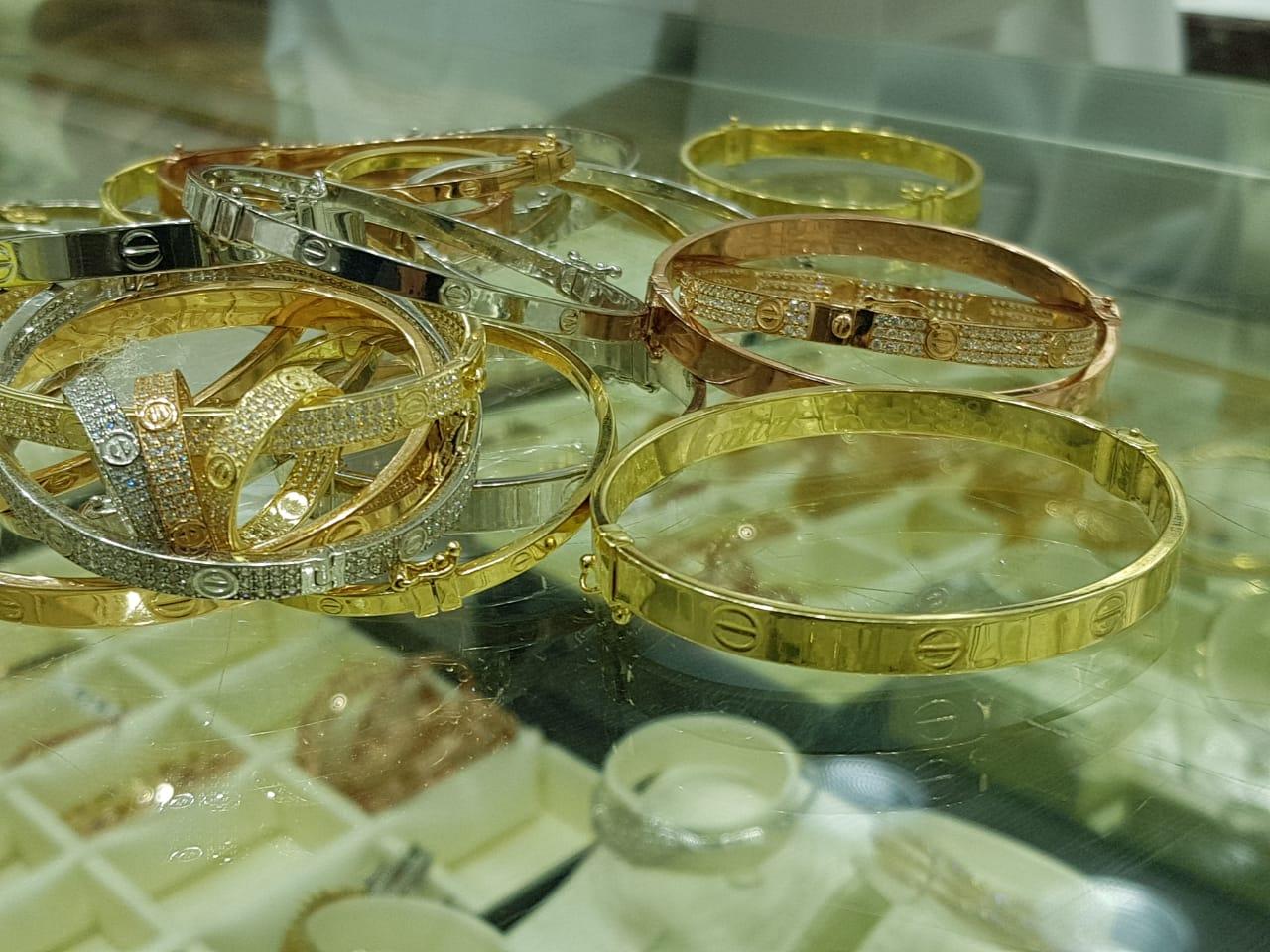 بالصور: مجوهرات بالرياض مقلدة لماركة c24070ed-f626-4317-9