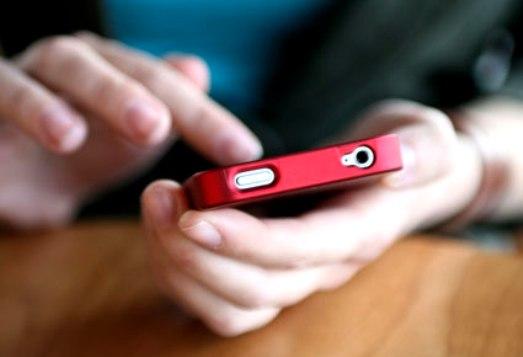 إيطاليا تصفّع ابل وسامسونج لتعمد إبطاء الهواتف