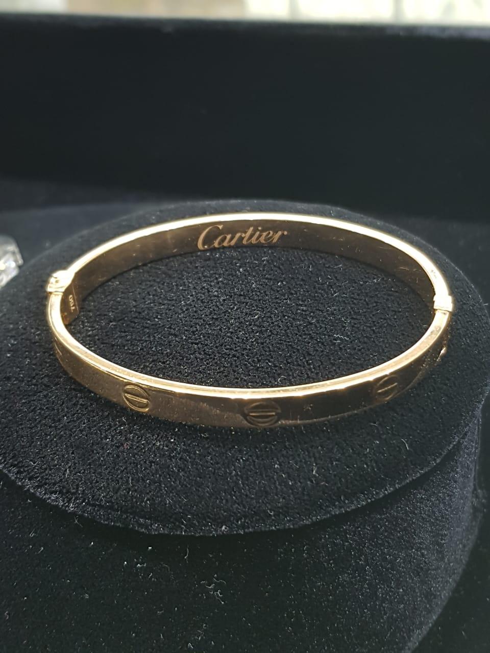 بالصور: مجوهرات بالرياض مقلدة لماركة f87aedac-ae9a-4810-a