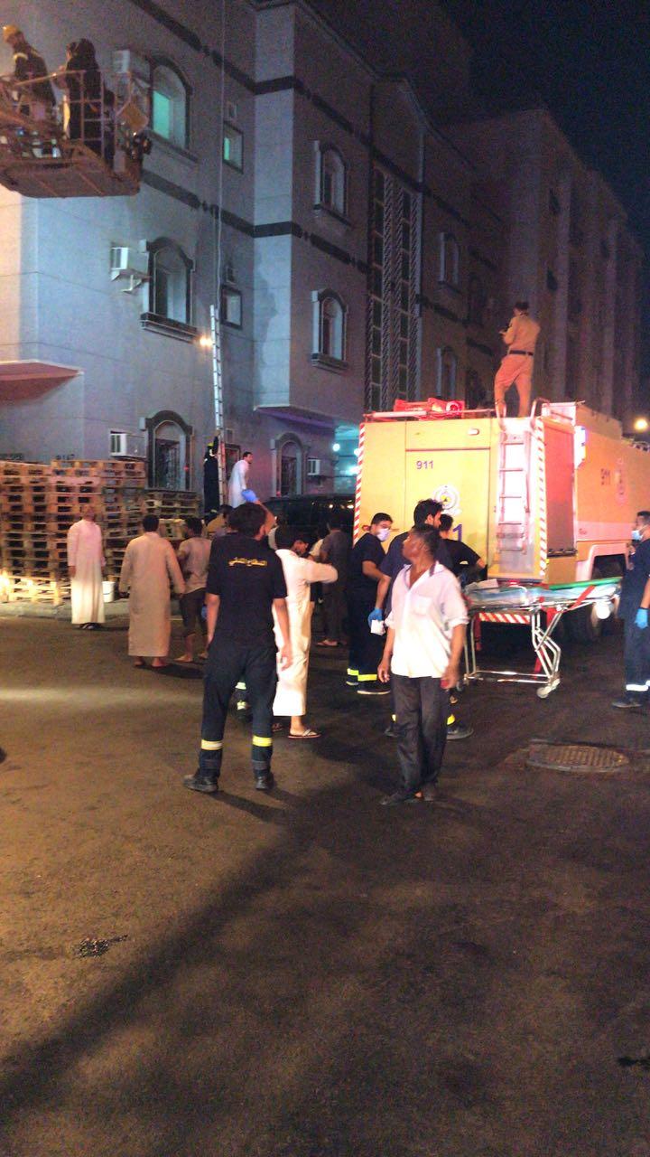 «13» حالة اختناق في حريق شقة سكنية بجدة