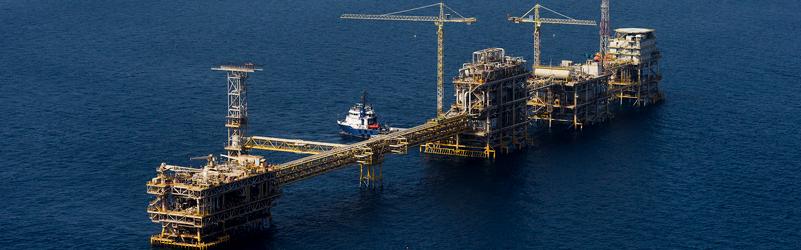 أرامكو تعيد التوازن لأسعار النفط الخام الآسيوي القياسي