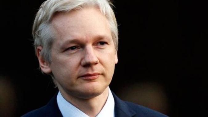 رئيس الإكوادور: حسم مصير مؤسس ويكيليكس
