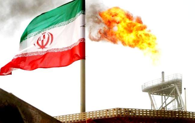 وزير الدفاع الإيراني يهدد بضرب إسرائيل إذا هاجمت شحنات النفط