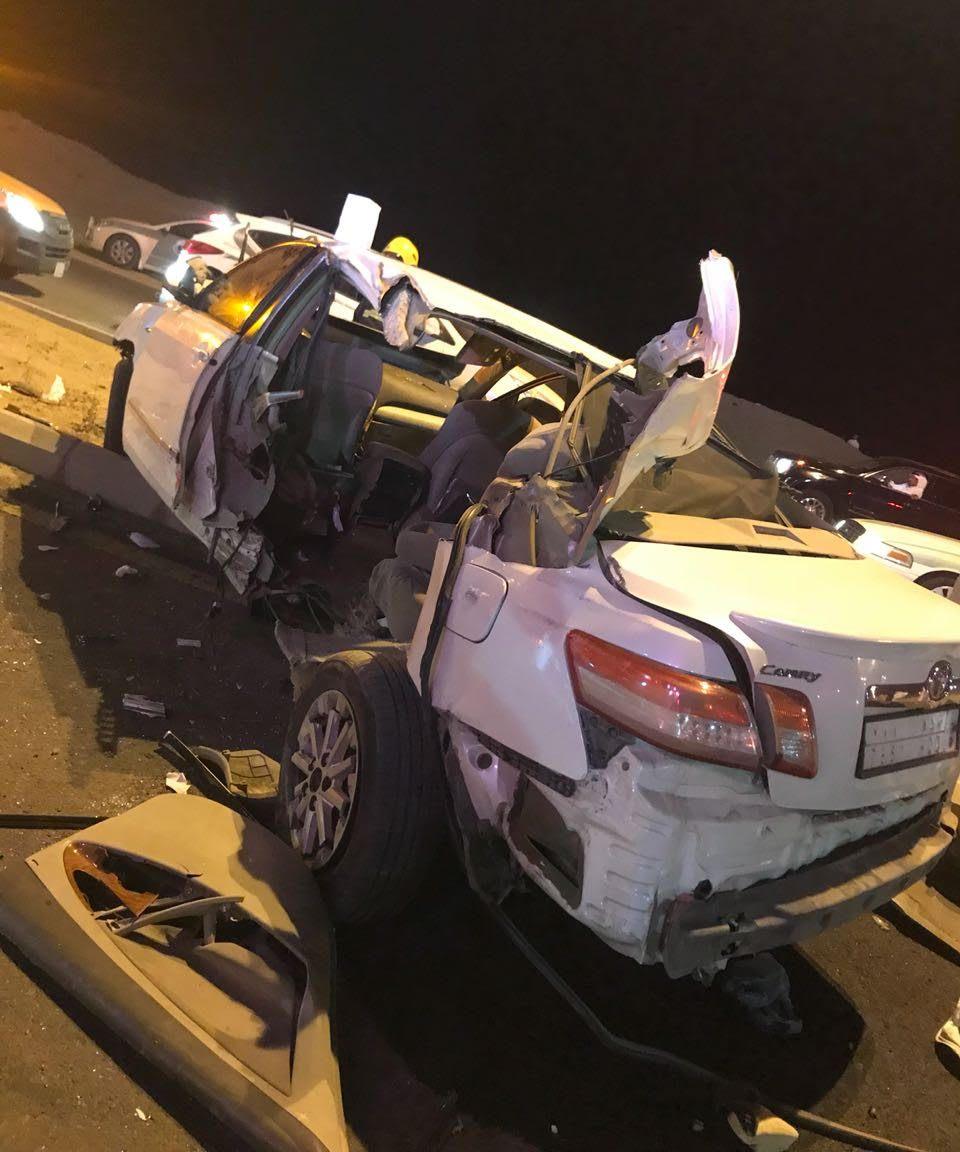 إصابة 11 شخصاً بحادث اصطدام عدة سيارات بمكة