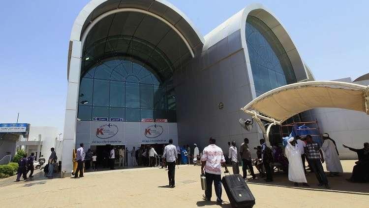 إحباط محاولة تهريب مليون دولار في مطار الخرطوم