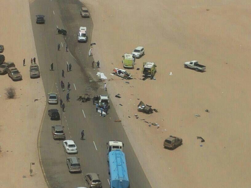 12 وفاة وإصابة في حادث سير بين سعوديين في عُمان