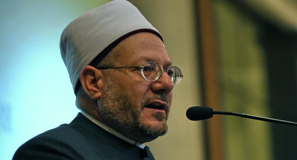 مفتي مصر يهنئ القيادة بنجاح موسم الحج