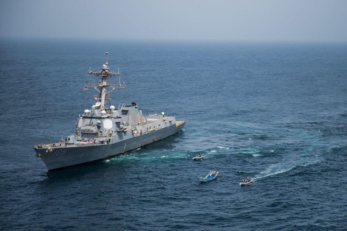 شاهد .. القيادة الأمريكية تنشر صور ألاف الأسلحة المهربة بعد ضبطها في خليج عدن