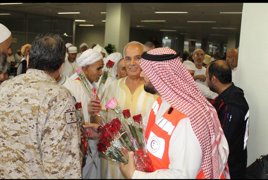"""عملية """" ناجحة """" تنقذ مسعفاً فلبينياً يعمل في الخدمات الطبية بمطار جدة"""