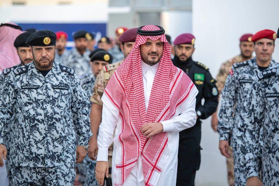 وزير الداخلية يفتتح مشروع إعادة تهيئة مراكز كلية الملك فهد الأمنية بمنى