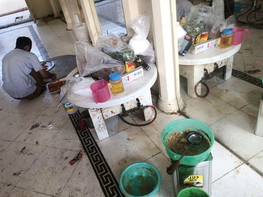 شاهد: إغلاق مطبخ اعاشة يقدم وجبات غير صحية للحجاج