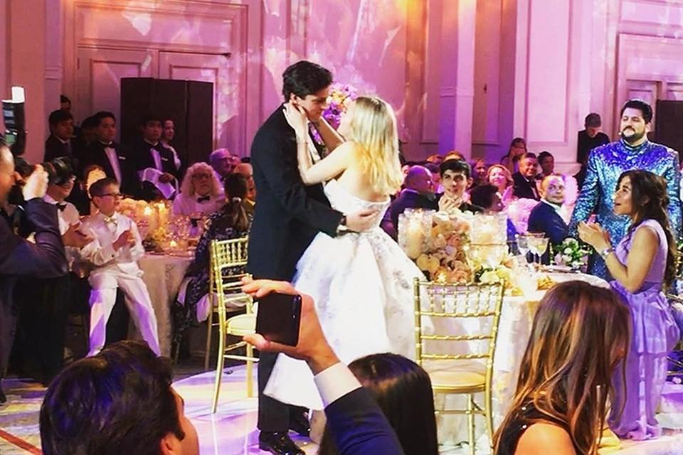 حفيدة ثري روسي تنفق الملايين على زفافها لتثير غيرة صديقه