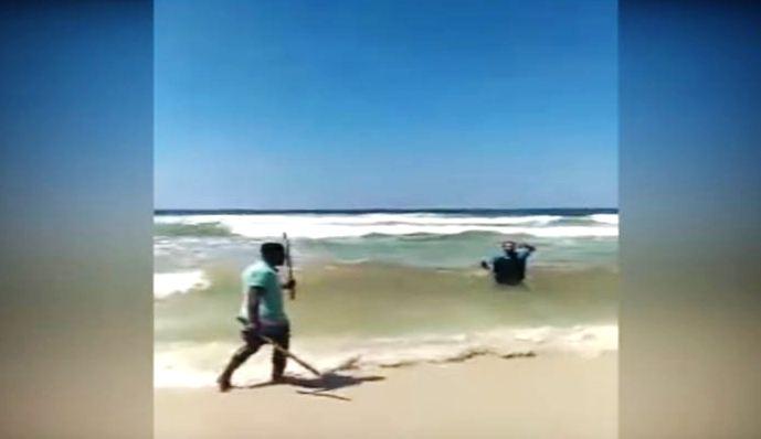 في مصر.. تحرش بزوجته فأرداه قتيلاً على الفور بشاطئ الاسكندرية
