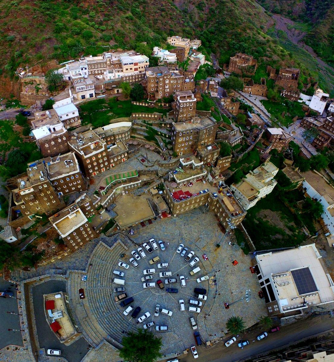 قرية رجال التراثية تقترب من قائمة اليونسكو