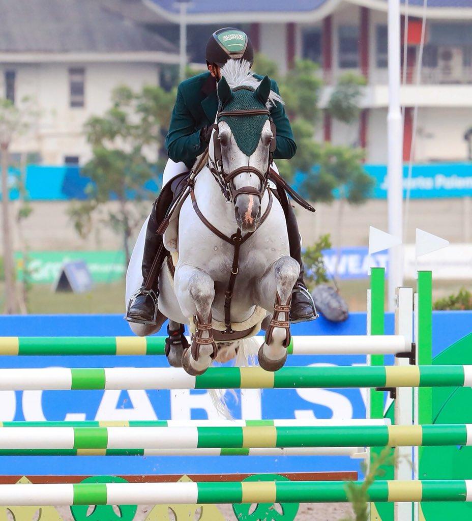 """بالصور.. فرسان المملكة يتوجون بذهبيتهم الأولى في دورة """"الألعاب الآسيوية"""""""