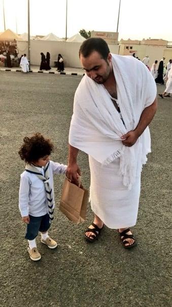 """شاهد.. أصغر براعم """"كشافة الطائف"""" يشارك في خدمة الحجيج"""
