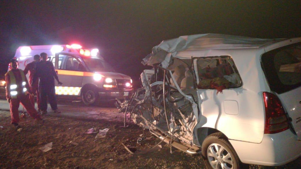 مصرع 5 وإصابة آخرين في حادث تصادم مروع بعسير