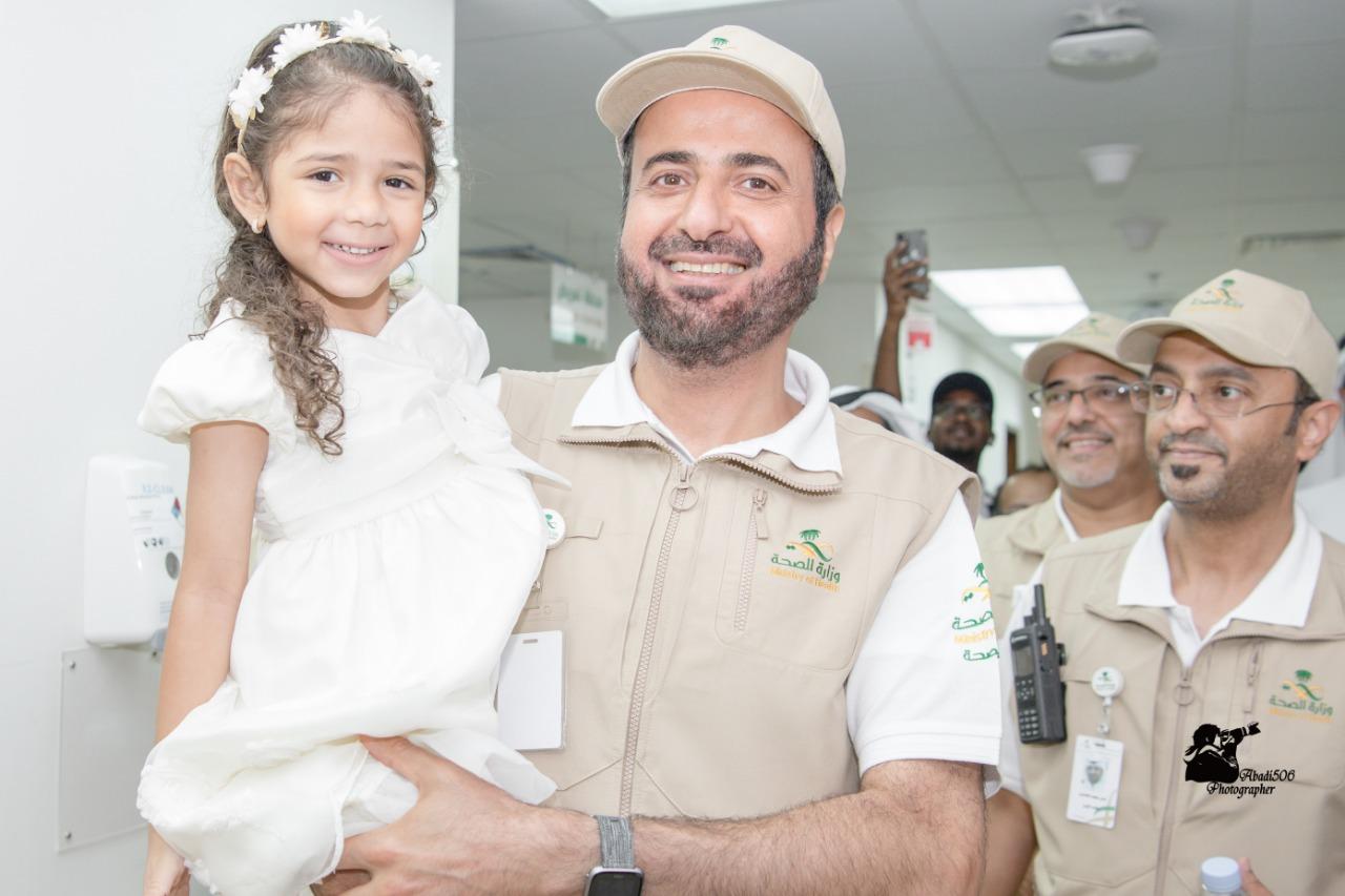 وزير الصحة يطمئن على صحة المرضى في مدينة الملك عبدالله الطبية