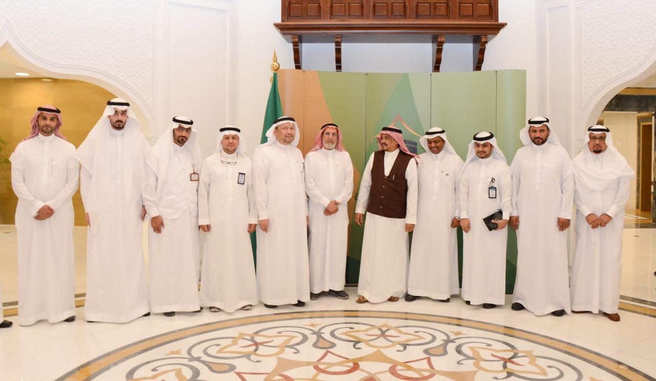 """وزير الحج والعمرة يؤكد ترحيب المملكة بالحجاج القطريين رغم """"الحظر"""""""