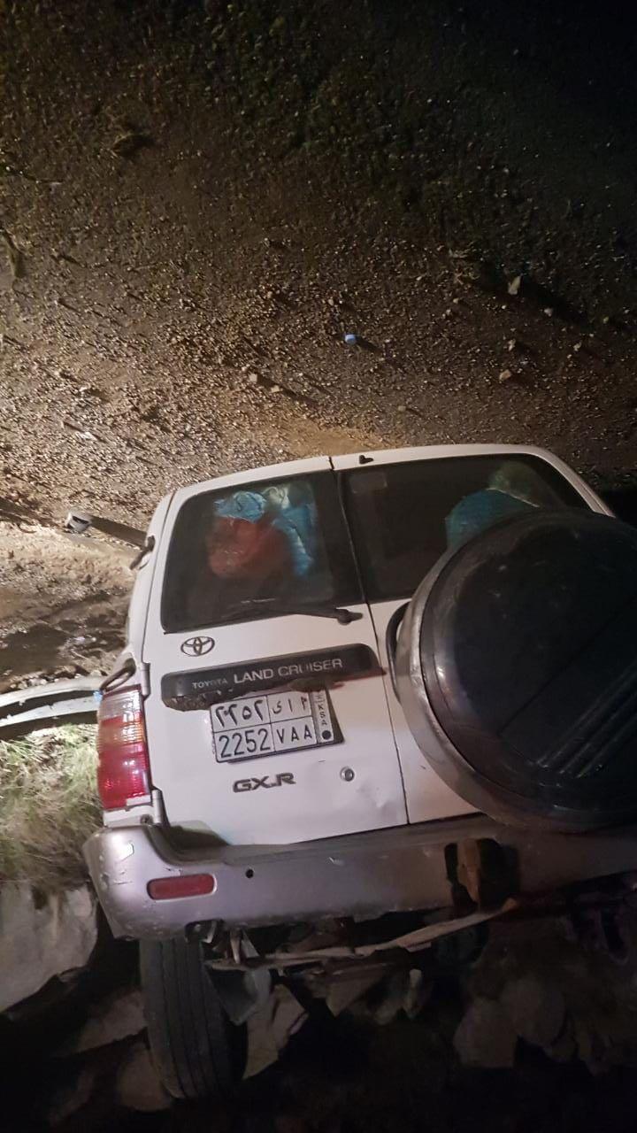 الهلال الأحمر بالباحة: انقلاب سيارة يخلف 3 إصابات إحداها خطيرة