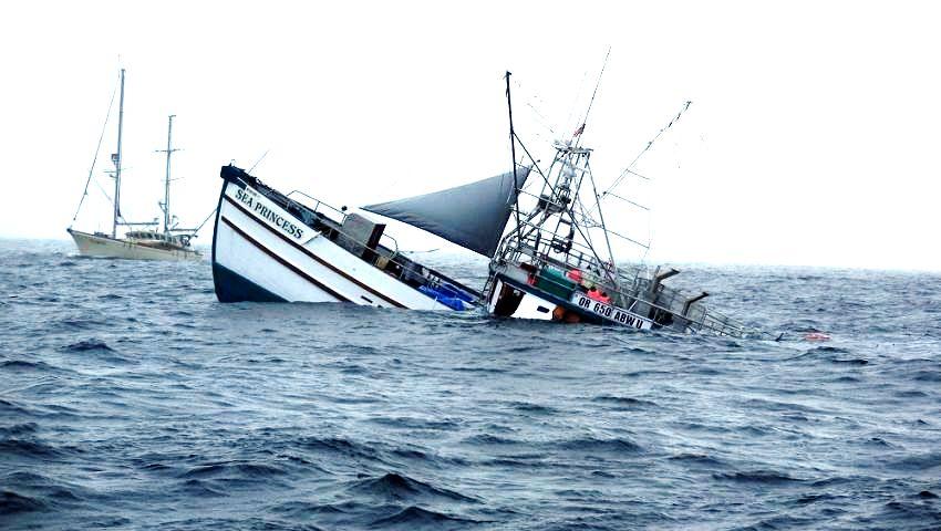 إندونيسيا تُغرق 120 قاربًا أجنبيًا