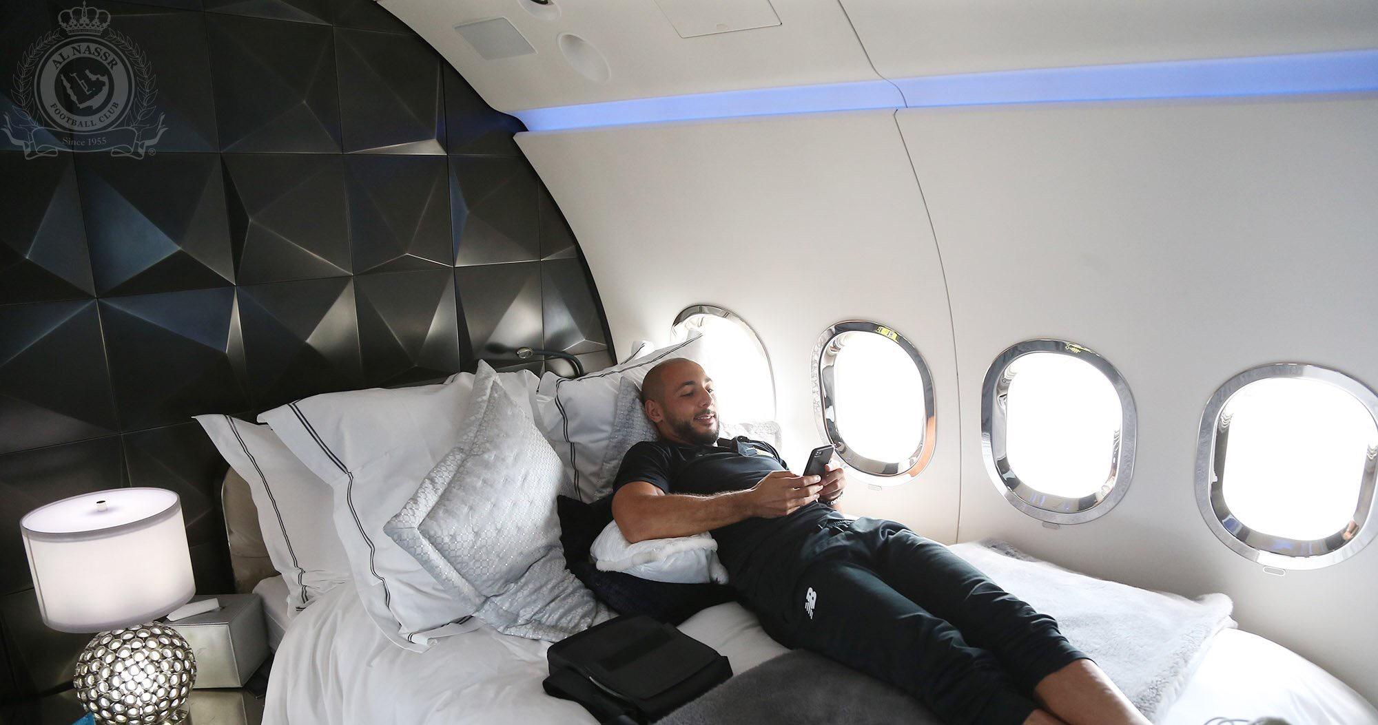 طائرة خاصة تنقل النصر إلى هولندا للقاء بني ياس