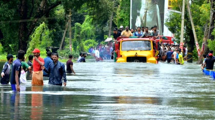 410 قتيلاً في أسوأ فيضانات بالهند
