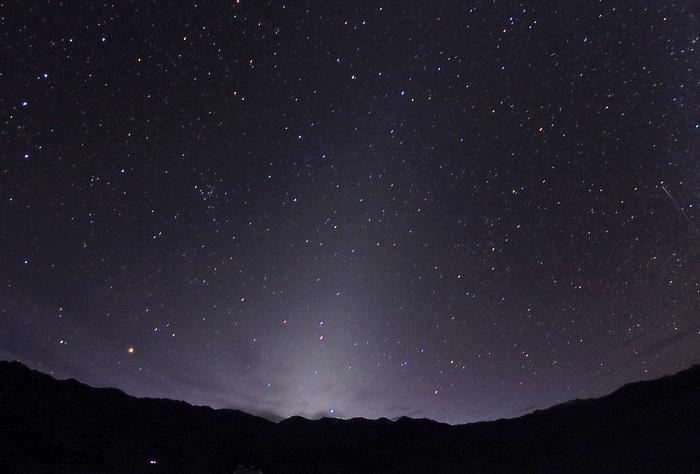 فلكية جدة: ضوء البروج يزين سماء السعودية والوطن العربي