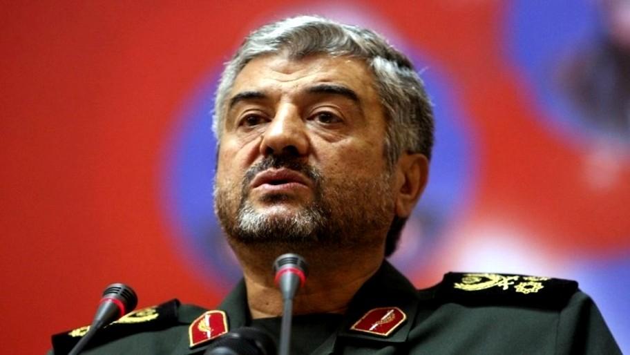 الحرس الثوري: أمنية ترامب بلقاء القادة الإيرانيين لن تتحقق!