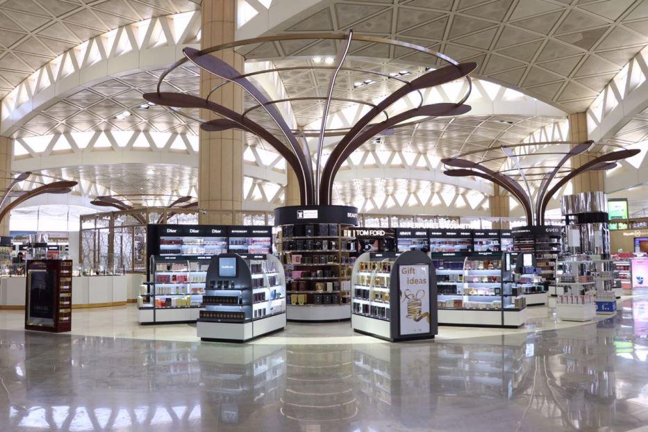 «مطارات الرياض»: افتتاح السوق الحرة بالصالات الدولية بمطار الملك خالد