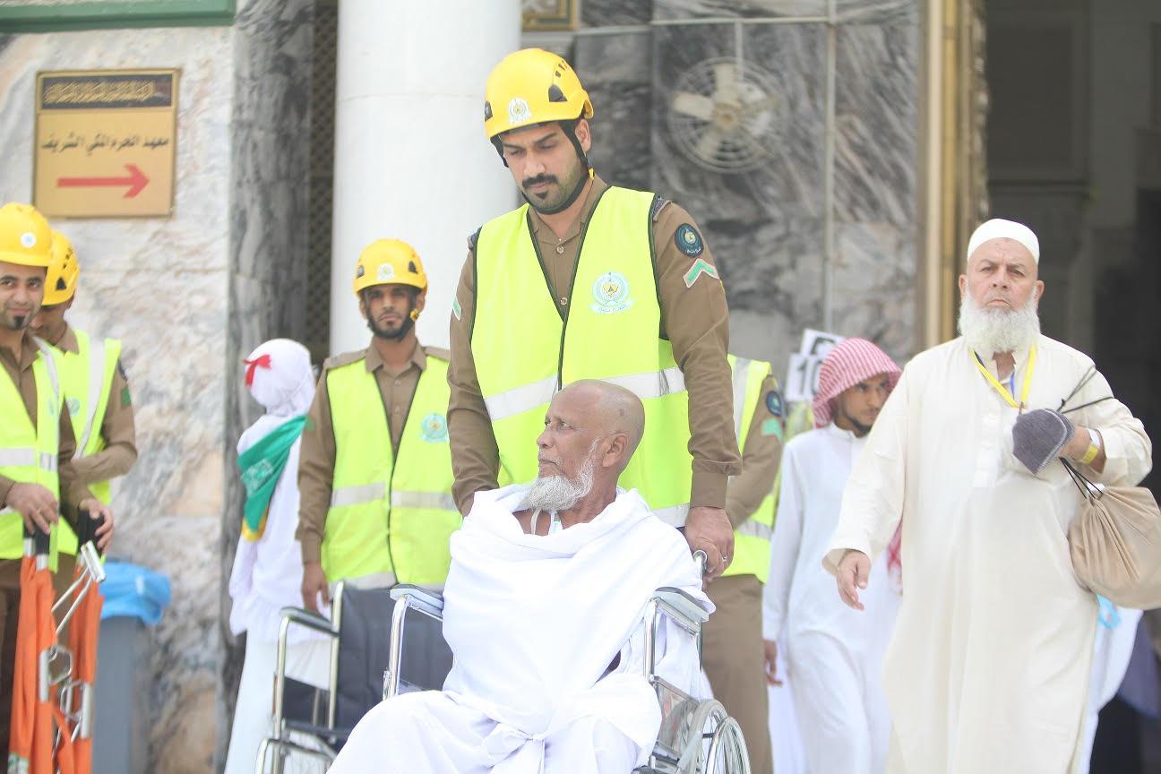 """""""الدفاع المدني"""" يجهز 50 نقطة لخدمة الحجاج في المسجد الحرام"""