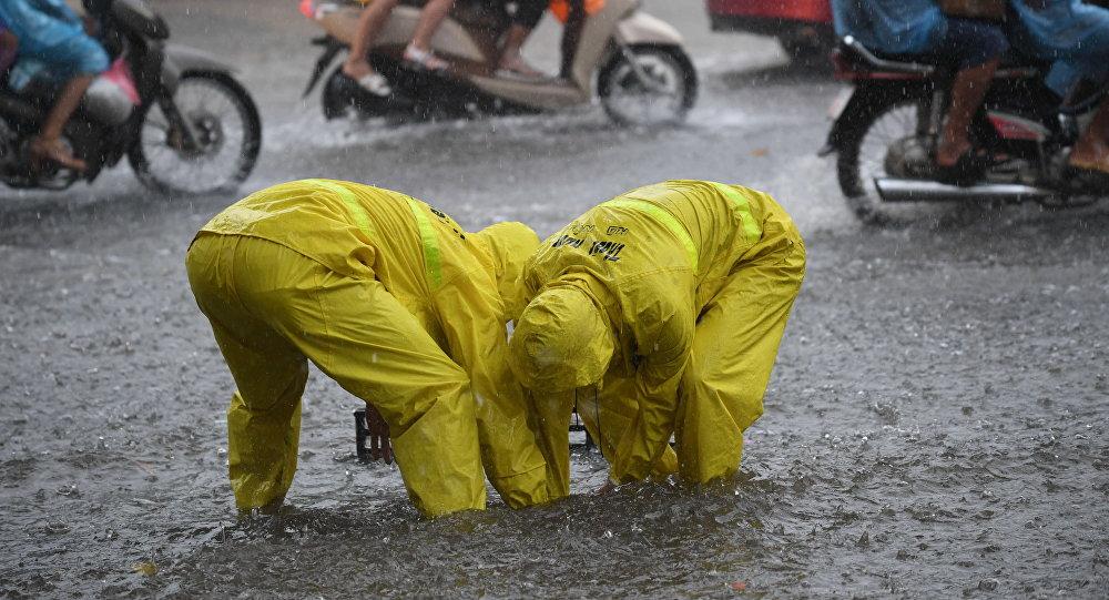 الصين: إجلاء الآلاف من المواطنين بسبب الأمطار بعد وفاة شخصين
