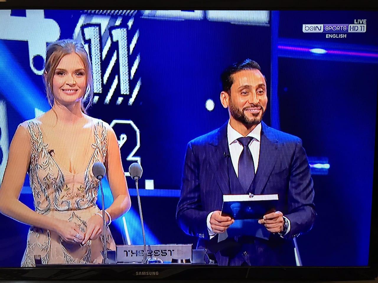 """سامي الجابر  يظهر في حفل """"الفيفا"""" ويعلن عن جائزة أفضل جمهور"""