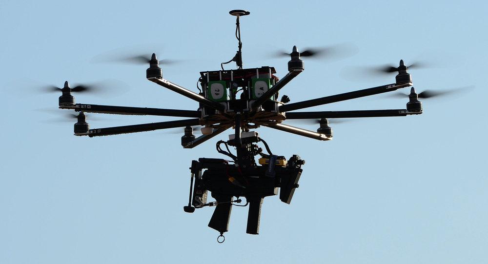 أمهر «طياري الدرونز» يدربون 16 طالبًا وطالبة على تصنيعها