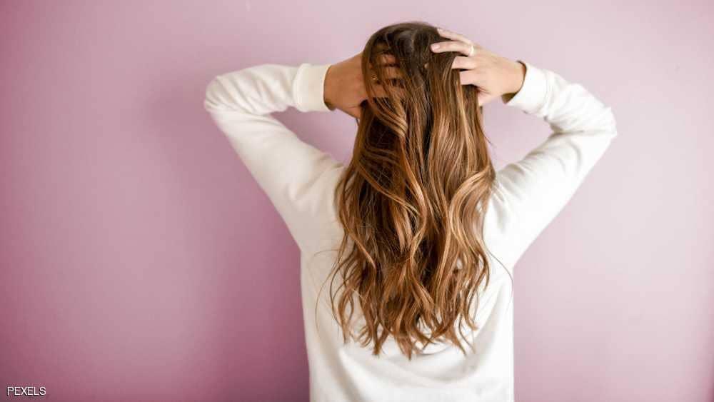 بعد كل هذا الزمن .. خبراء: طريقة غسيل الشعر المعتادة خاطئة