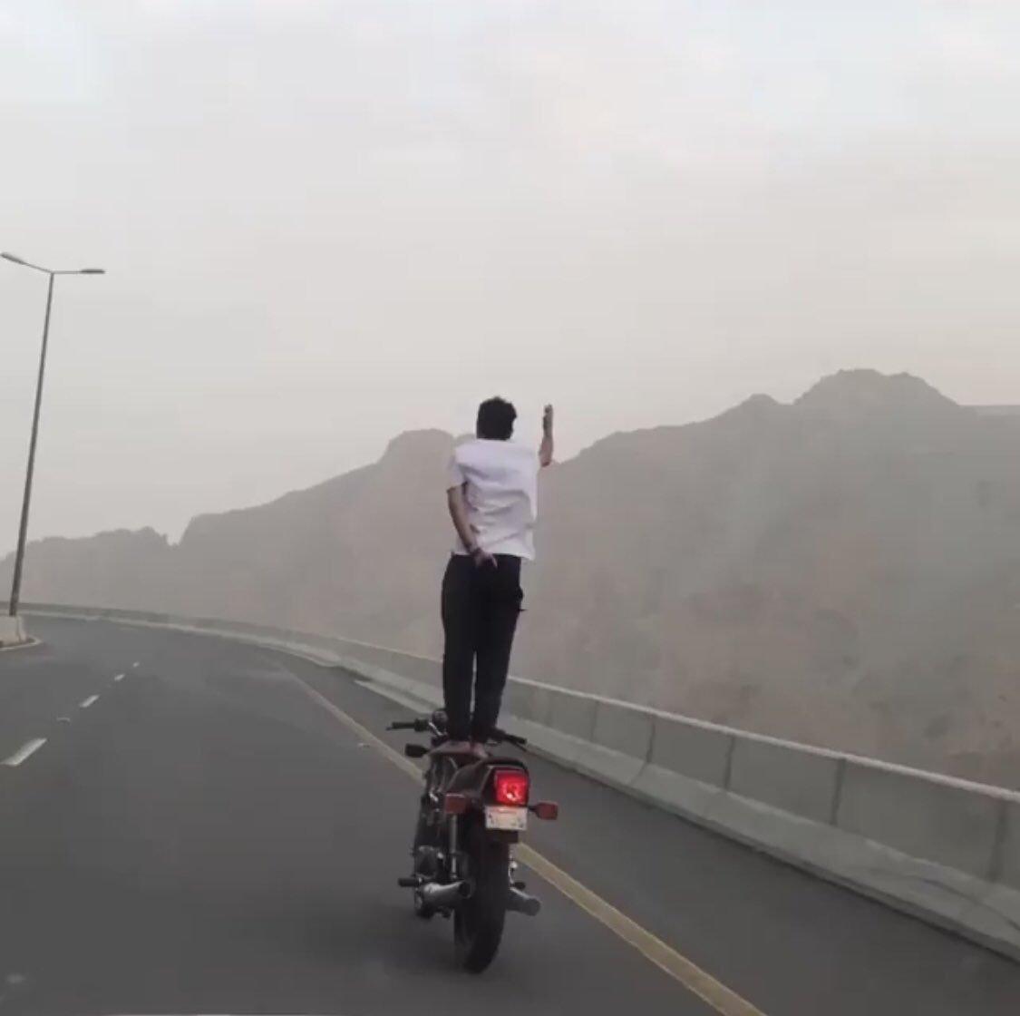 """مرور الطائف: القبض على قائد دراجة يقودها بطريقة """"متهورة"""" تعرضه وتعرض الآخرين للخطر"""
