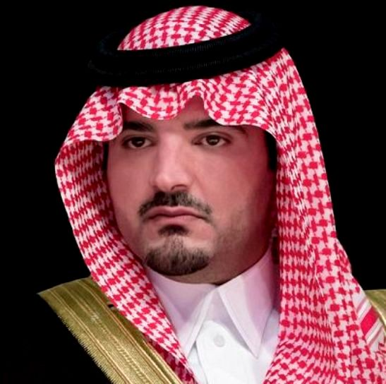 وزير الداخلية يجتمع بقيادات الدفاع المدني في الحج