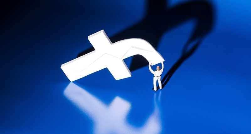 """5 مليار مستخدم لـ""""فيسبوك"""" موتى بحلول عام 2100"""