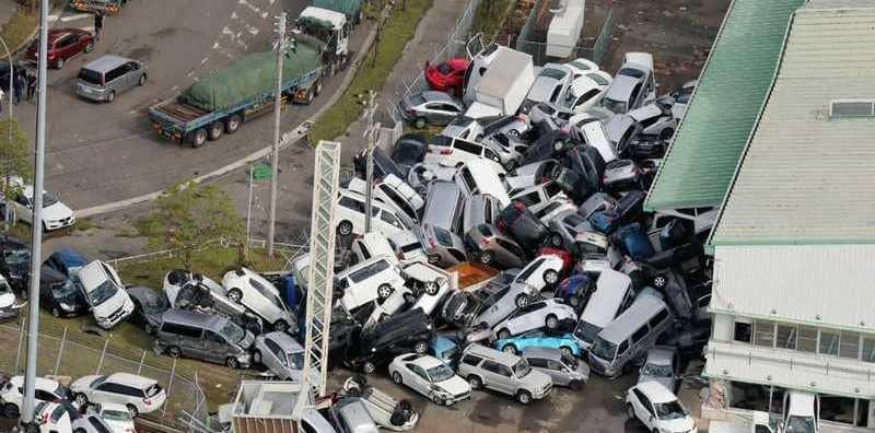 «ابتلاع مرعب» يقتل ويحتجز آلاف السياح في اليابان