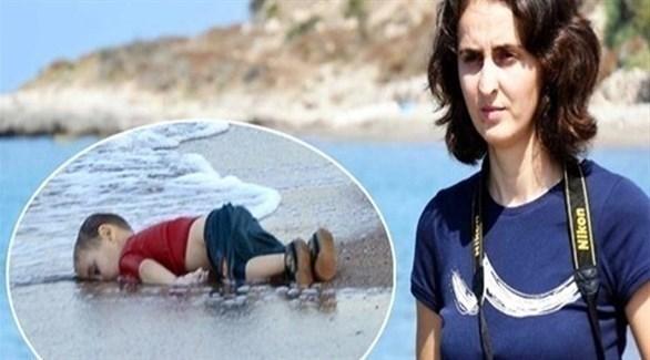 تركيا تطرد الصحافية التي صورت الطفل السوري إيلان