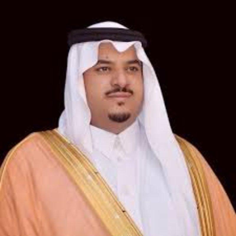 نائب أمير الرياض ينقل تعازي القيادة لأسرة البطل المطيري