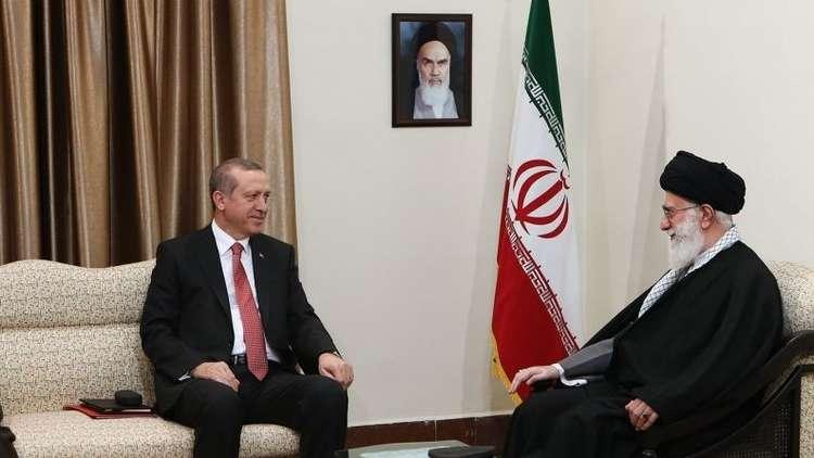 أردوغان يجتمع مع خامنئي في طهران