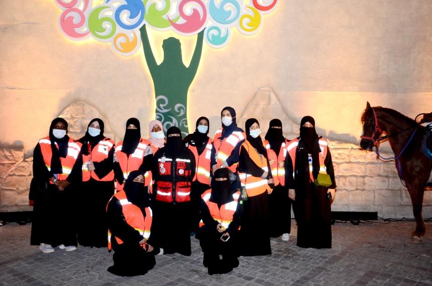 شاهد: الهلال الأحمر يشارك بـ«42» فرقة اسعافية في يوم الوطن