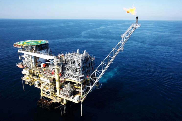 النفط يتراجع بفعل اضطرابات الأسواق الناشئة