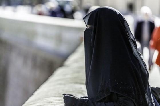 الدنمارك تغرّم سائحة لانتهاكها قانون النقاب